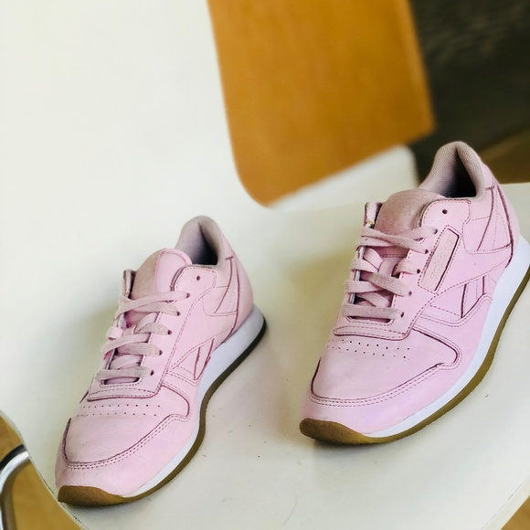 cd4607144 Vintage reebok classic leather sneaker pink 6.5. M_5cafe64c2f8276ed1003b4f0